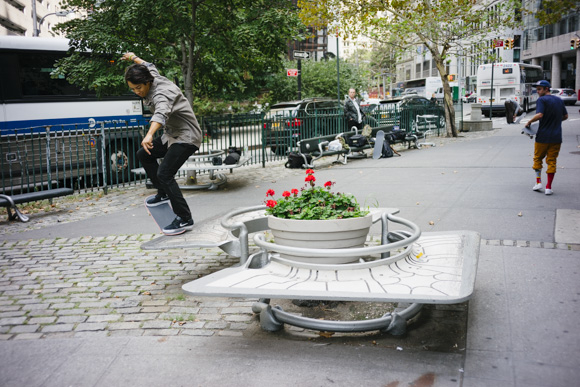 After Denver we went to New York for the next art show. We had some time to skate and found ourself over here. Malto with a warm up crook.
